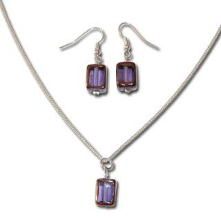Handgewickelte-Perlen-lila-Kette-und-Ohrringe